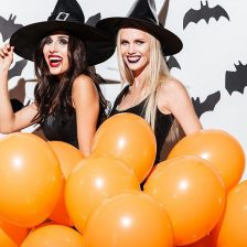 Reviews of the best Halloween costumes for boys, girls, men and women