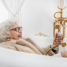 We review the best bath seats for the elderly on the UK market today