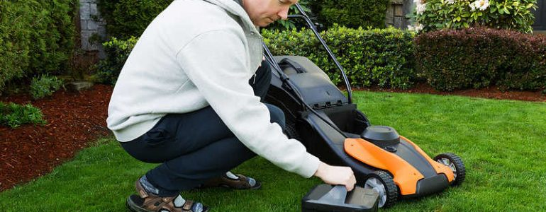 Reviews of the best cordless lawnmowers on the UK market in 2019